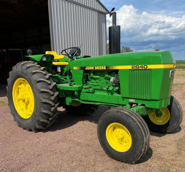 OLSEN ESTATE - Live & Online Farm Equipment Auction