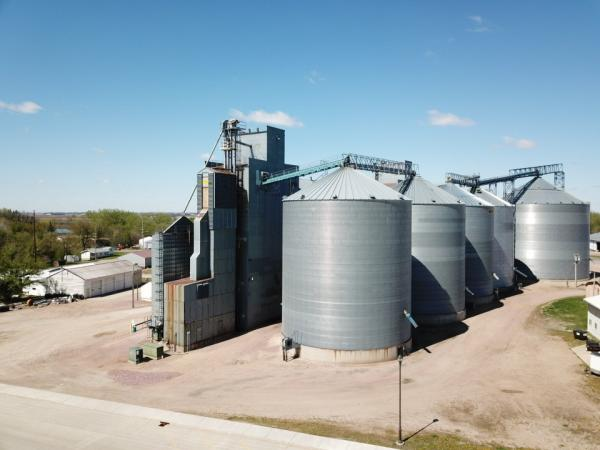 CRYSTAL VALLEY COOP - Grain Elevator